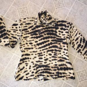 Max Mars made in italy print turtle neck top euc